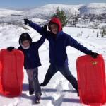 עשרות מזחלות שלג מקצועיות הובאו מהגולן לחבל בנימין לשימוש חינם עבור המטיילים שיגיעו לאזור
